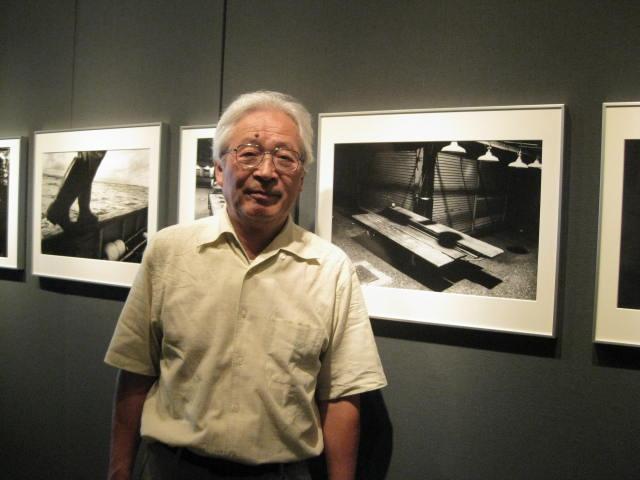 菊地 英 写真展 「『板舟』 夜の魚市場」